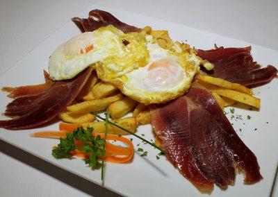 Restaurantes calle Ponzano - Huevos rotos